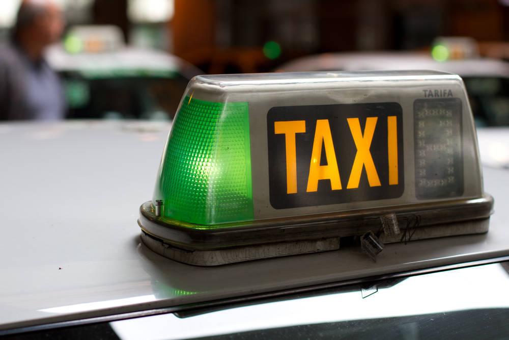 Pásate al taxi
