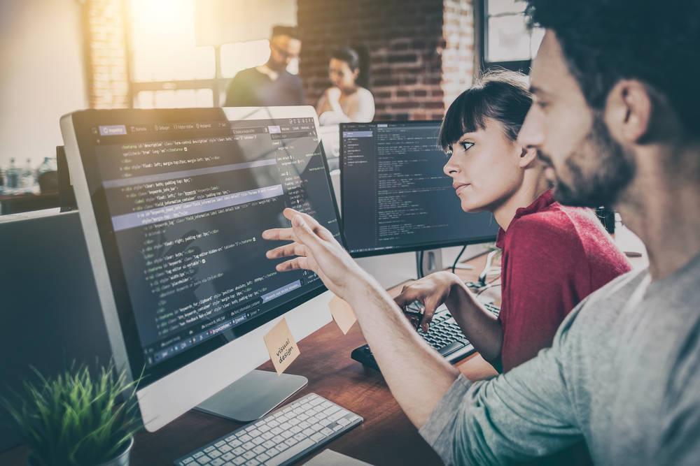 Informática y tecnología, dos aspectos básicos y no tan caros para emprender